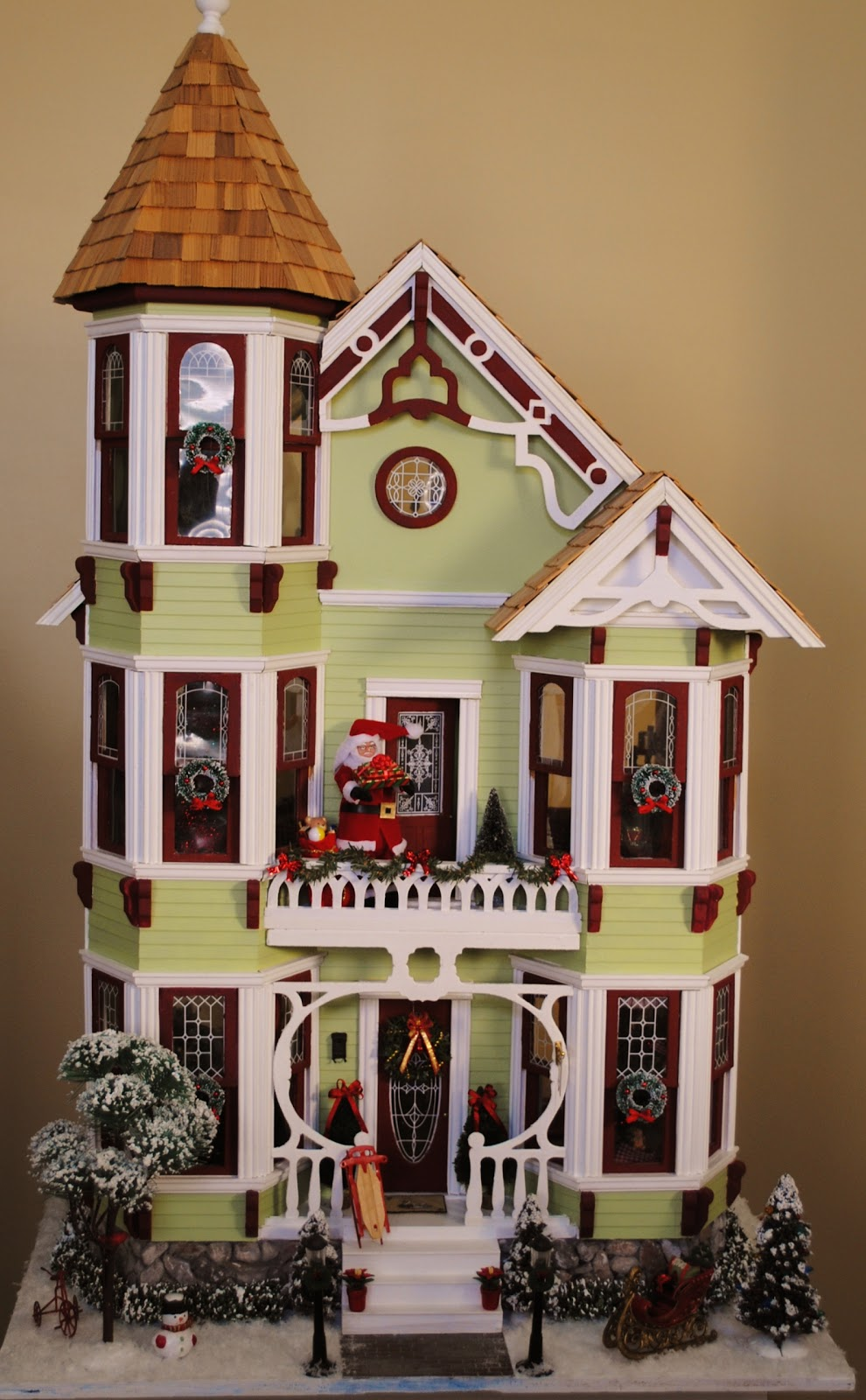 Little things by anna a merry mini christmas dollhouse for Young house love dollhouse