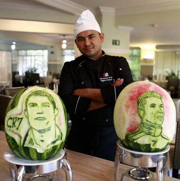 Brazilian chef creates Messi, Ronaldo & Neymar carvings in watermelons