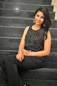 Kruthika Jayakumar gorgeous photo2-thumbnail-9