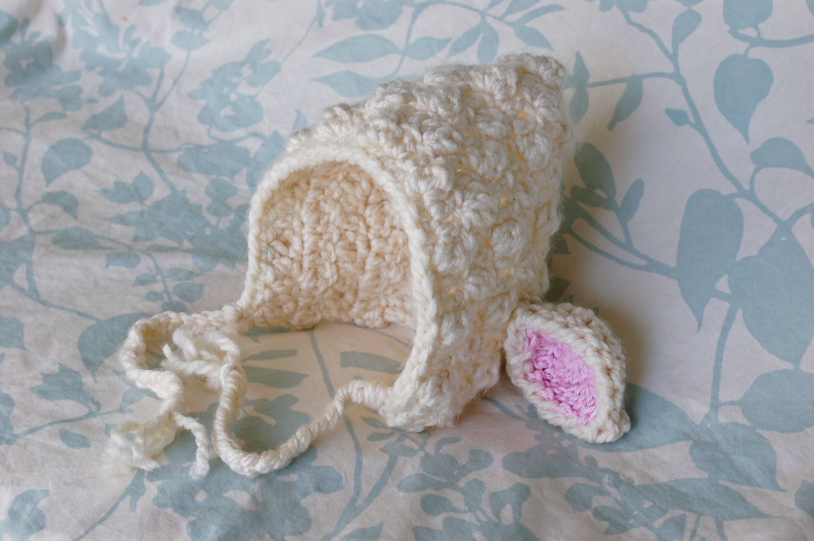 Free Crochet Pattern Baby Lovey : Alli Crafts: Free Pattern: Lamb Bonnet
