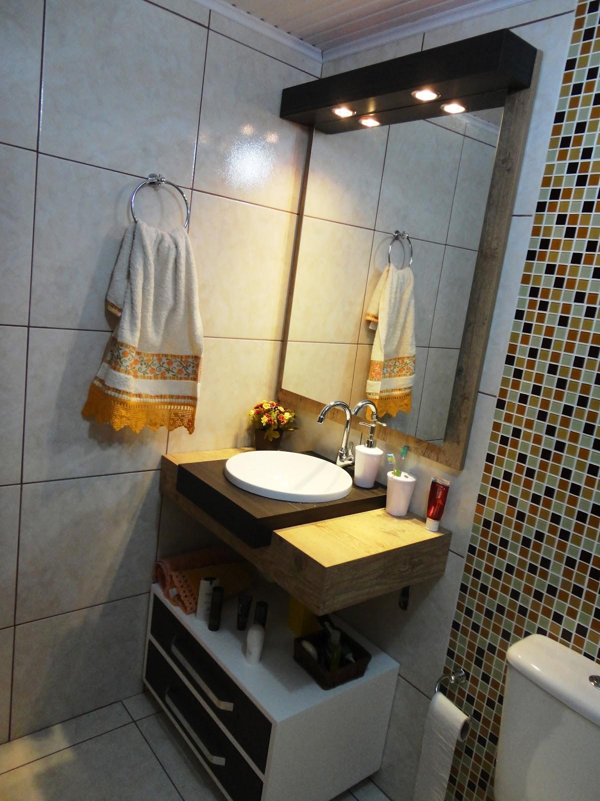 Imagens de #A27029 Banheiros com Pastilhas de vidro Mavel Materiais de Construção 1200x1600 px 3600 Banheiros Todo Bege