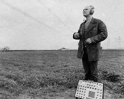 El músico Conrad Schnitzler, fundador junto a Hans-Joachim Roedelius del Zodiak Free Arts Lab de Berlín
