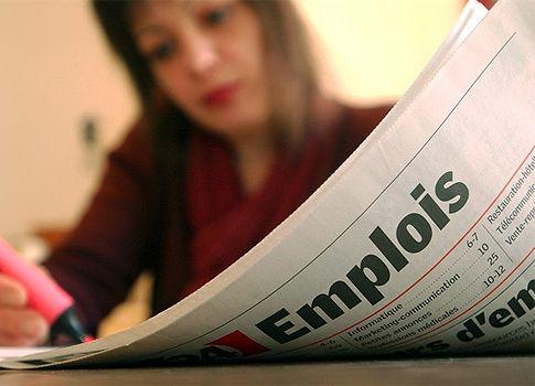 تعد البطالة  من الاسباب الرئيسية التي تسبب الكثير من الضغوط ومن اسوأ المواقف الذي يجد الشخص نفسه فيه