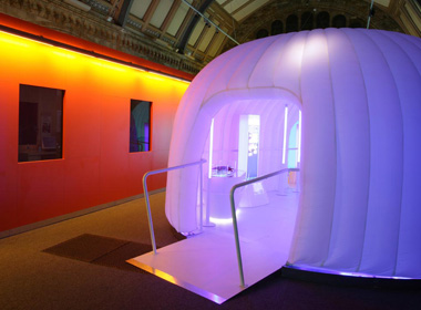 Dab810 architecture fiction future week 11 retail pod for Outdoor pod room