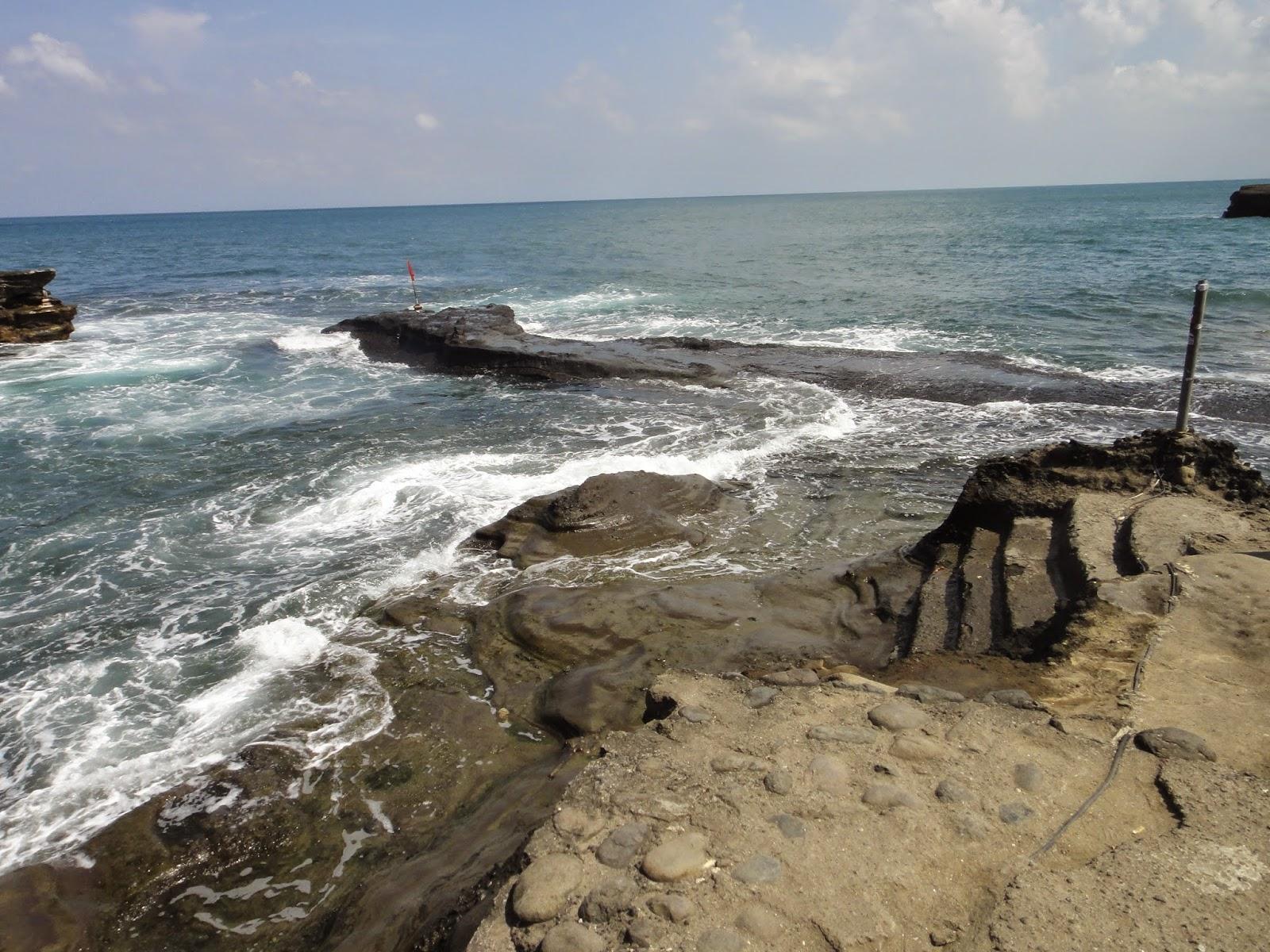High Tide at Pura Tanah Lot Bali Island
