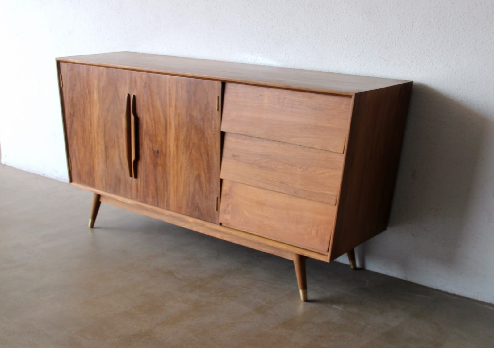 SECOND CHARM FURNITURE   MID CENTURY MODERN INFLUENCE
