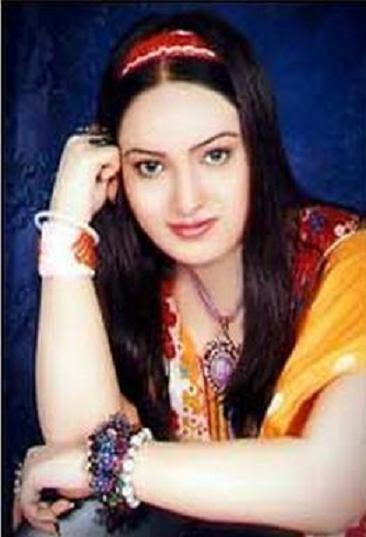 Sindhi Pictures: Sindhi Model And Actress Irum Abbasi