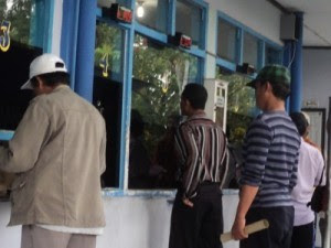 mesin antrian Surabaya saat Uji Kir