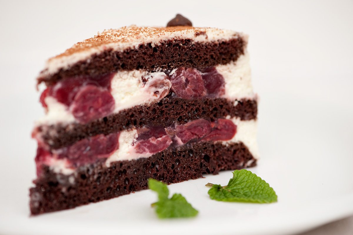 Birthday Cake Center: black forest german cakes pics