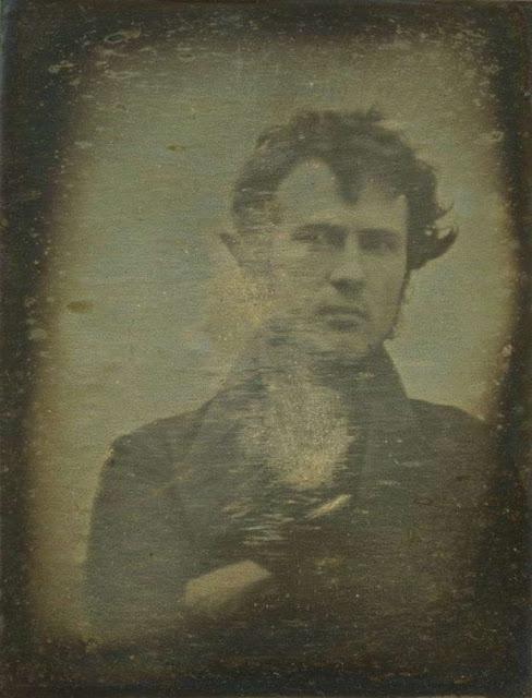 Η πρώτη φορά που φωτογραφίζεται άνθρωπος