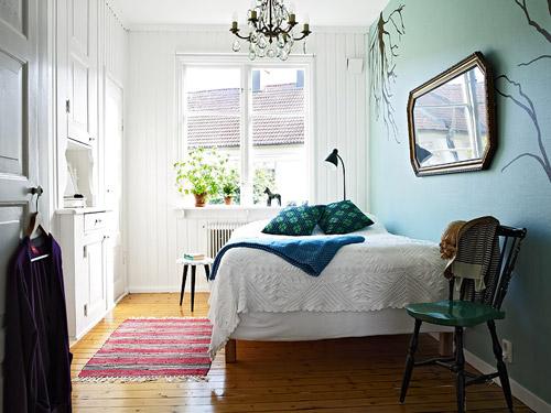Addolcire la camera da letto con poco - Quadri sopra il letto ...