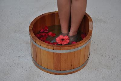 Escalda-pés com hidratação