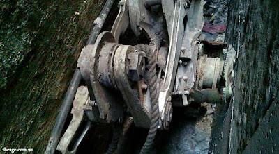 Potongan Logam Roda Pesawat 9/11 Ditemukan