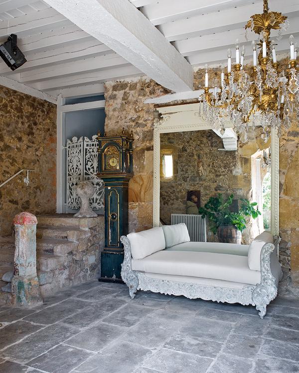 Boiserie c muri in pietra gioielli per l 39 arredamento for Arredamento in pietra