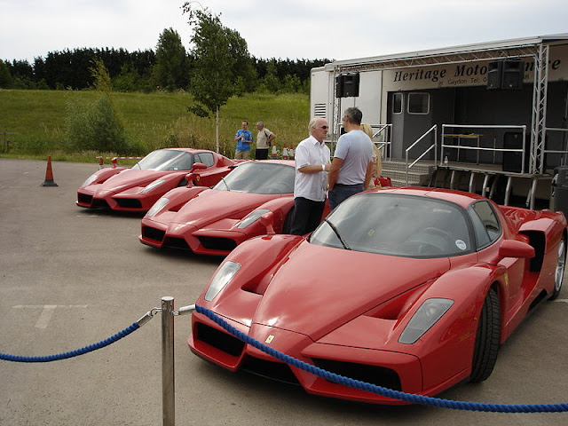 Gambar Mobil Sport Ferrari Enzo 07