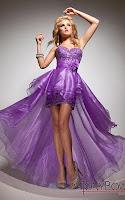 Къса рокля от люляково лилава дантела с дълга пола шлейф, дизайнер Tony Bowls