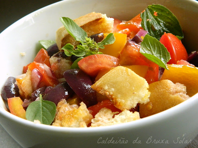 Panzanella ~ salada italiana de pão