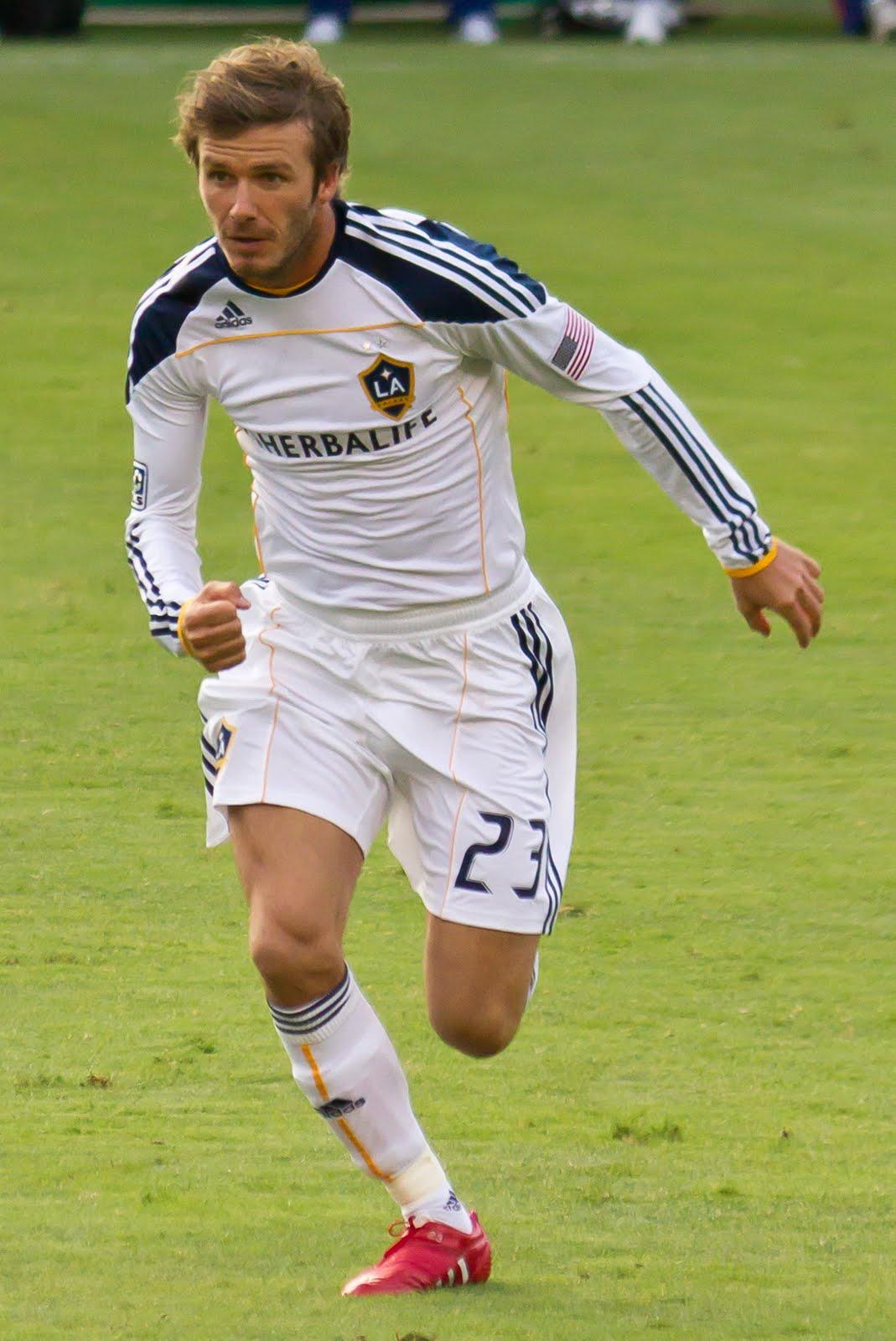 David Beckham Playing Soccer For England Pro Soccer: David Beck...