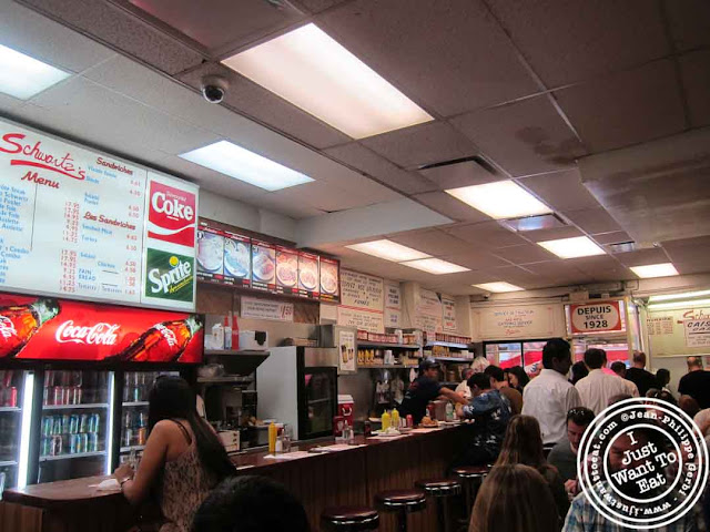 Image of Schwartz's delicatessen in Montreal, Canada
