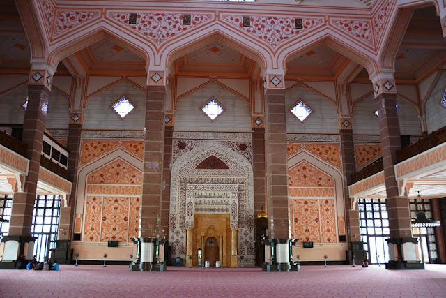 Masjid Putra Kuala Lumpur pink mosque