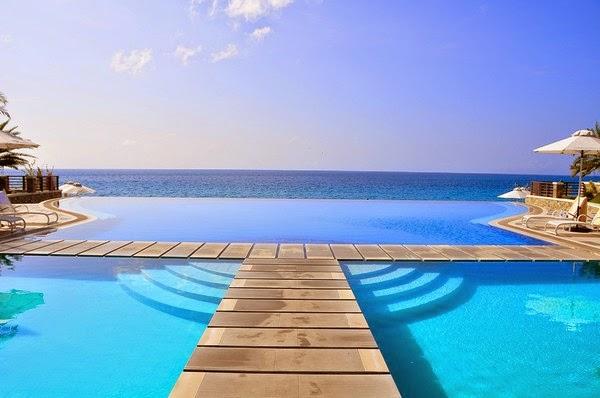 Jardins piscines - types,matériaux et planification