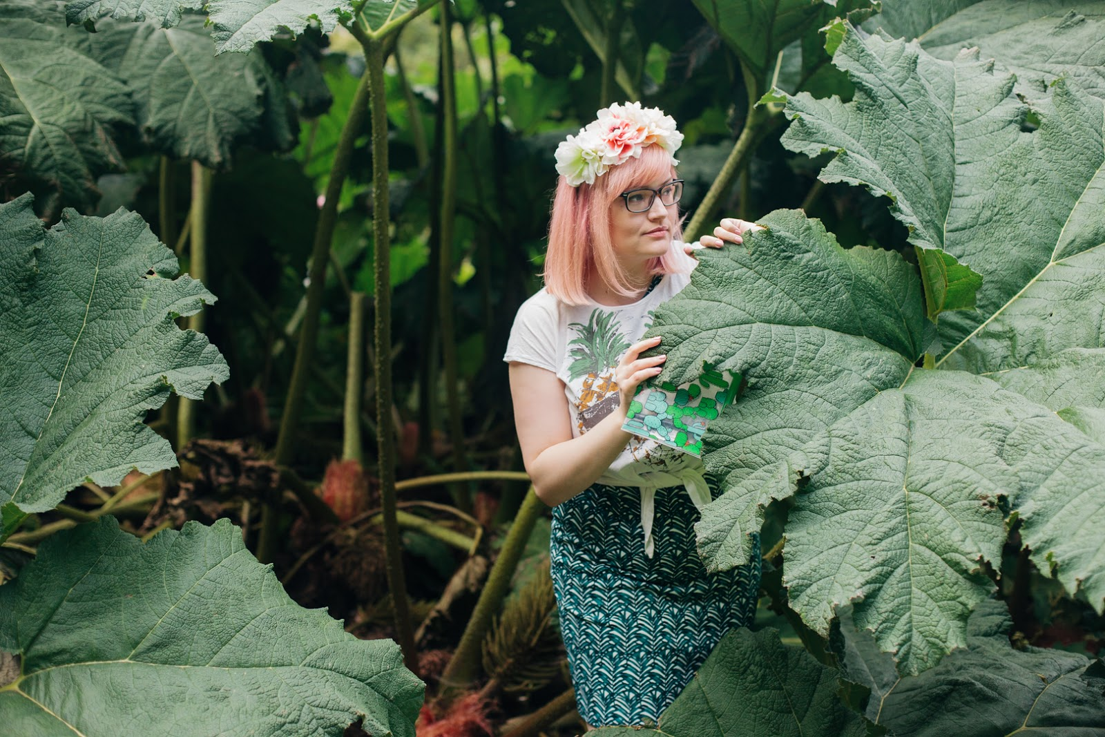 girls with glasses, 2020 opticians, Scottish blogger, peach hair DIY, blogger favourite hair, banana leaf print,Royal Botanical Garden Edinburgh, cryptomgamic garden
