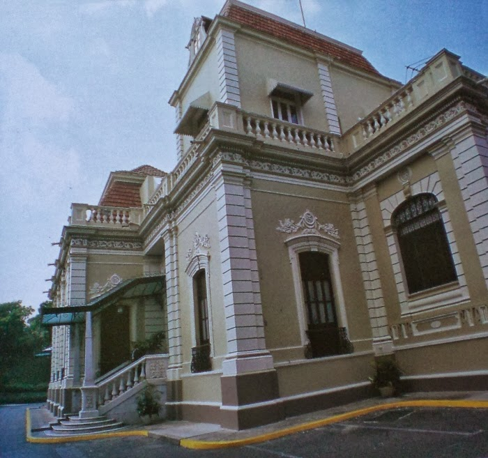 Revista econ mica de venezuela 14 preguntas para nicol s for Banco exterior empleo caracas