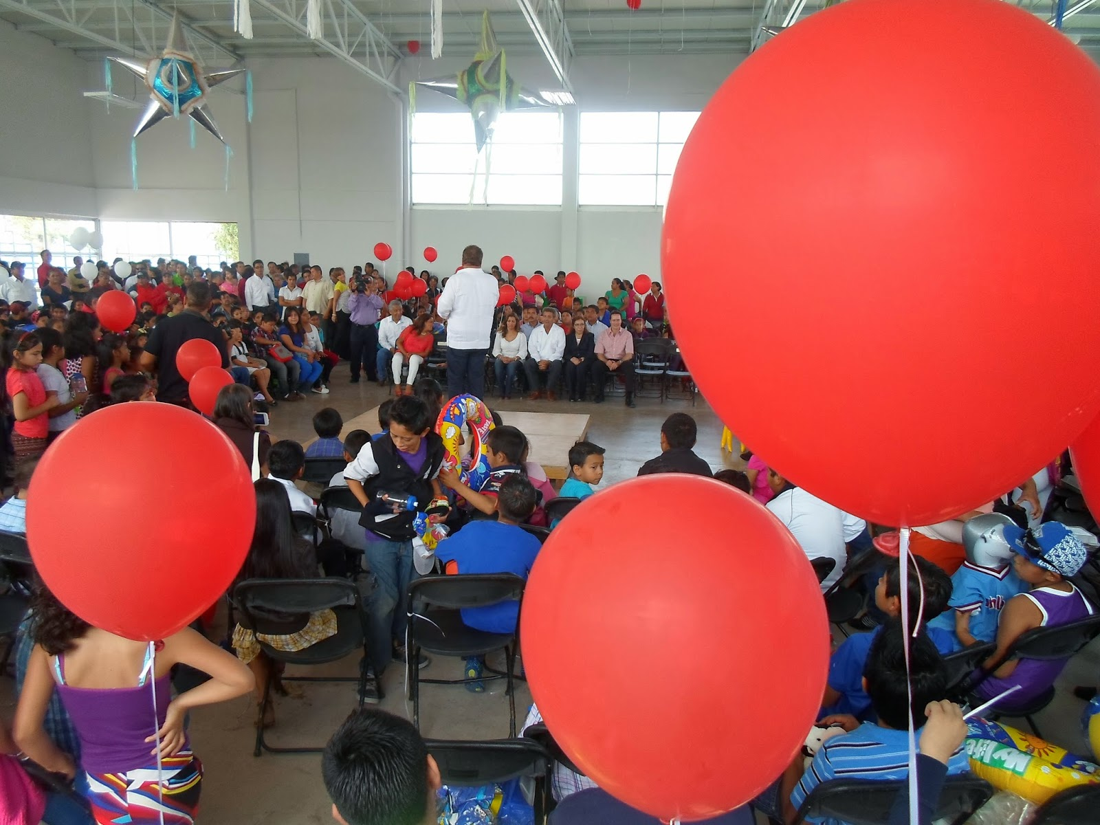Radio deportes fm ftf inaugura gimnasio de la unidad for Gimnasios en satelite