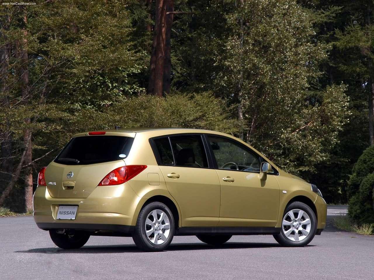 http://3.bp.blogspot.com/-RvHCIjvlyJU/TXtImIuR0dI/AAAAAAAAFaQ/1Jv9XEhzEJM/s1600/Nissan-Tiida_2004_1280x960_wallpaper_04.jpg