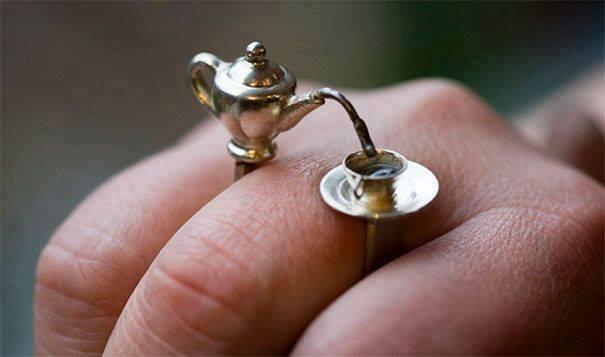 cincin cangkir kopi dan gelas