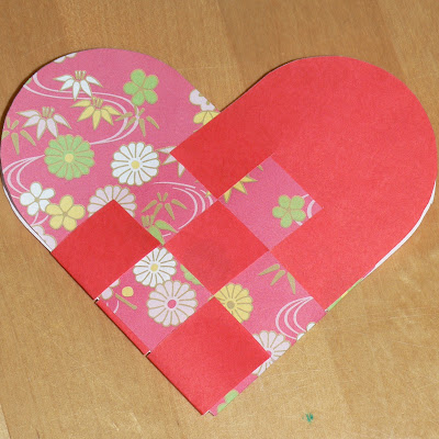 swedish woven paper heart basket - finished