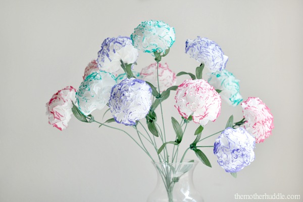 tissue paper carnations Complete directions on how to make carnations out of tissue paper.