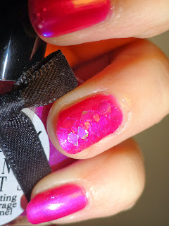 NOTD: Shaken, not stirred: Nail art detail