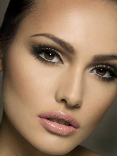vou? para maquiagens Ideias brown makeup que eu for pele roupa claraCom  natural bridal de eyes morena
