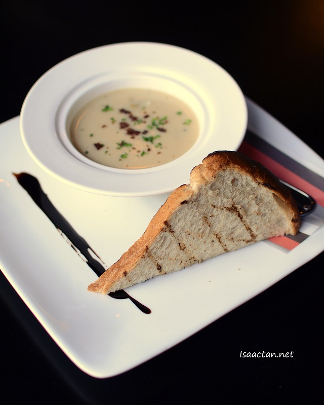 Traditional Italian Clam Chowder RM 16.90