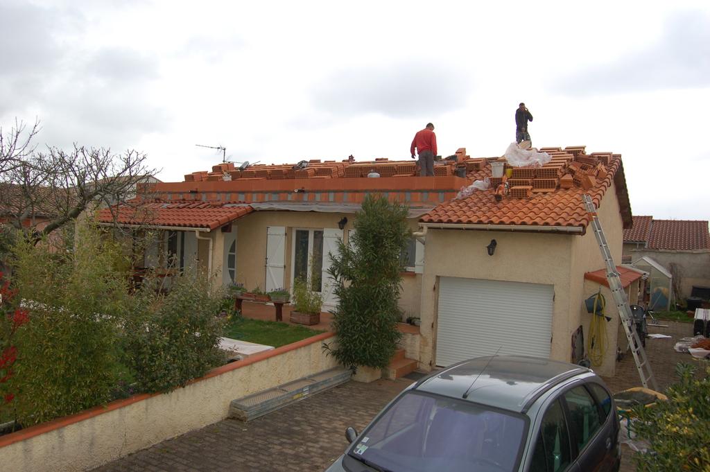 Agrandissement d 39 une maison par le haut 7 me jour for Agrandissement maison 45