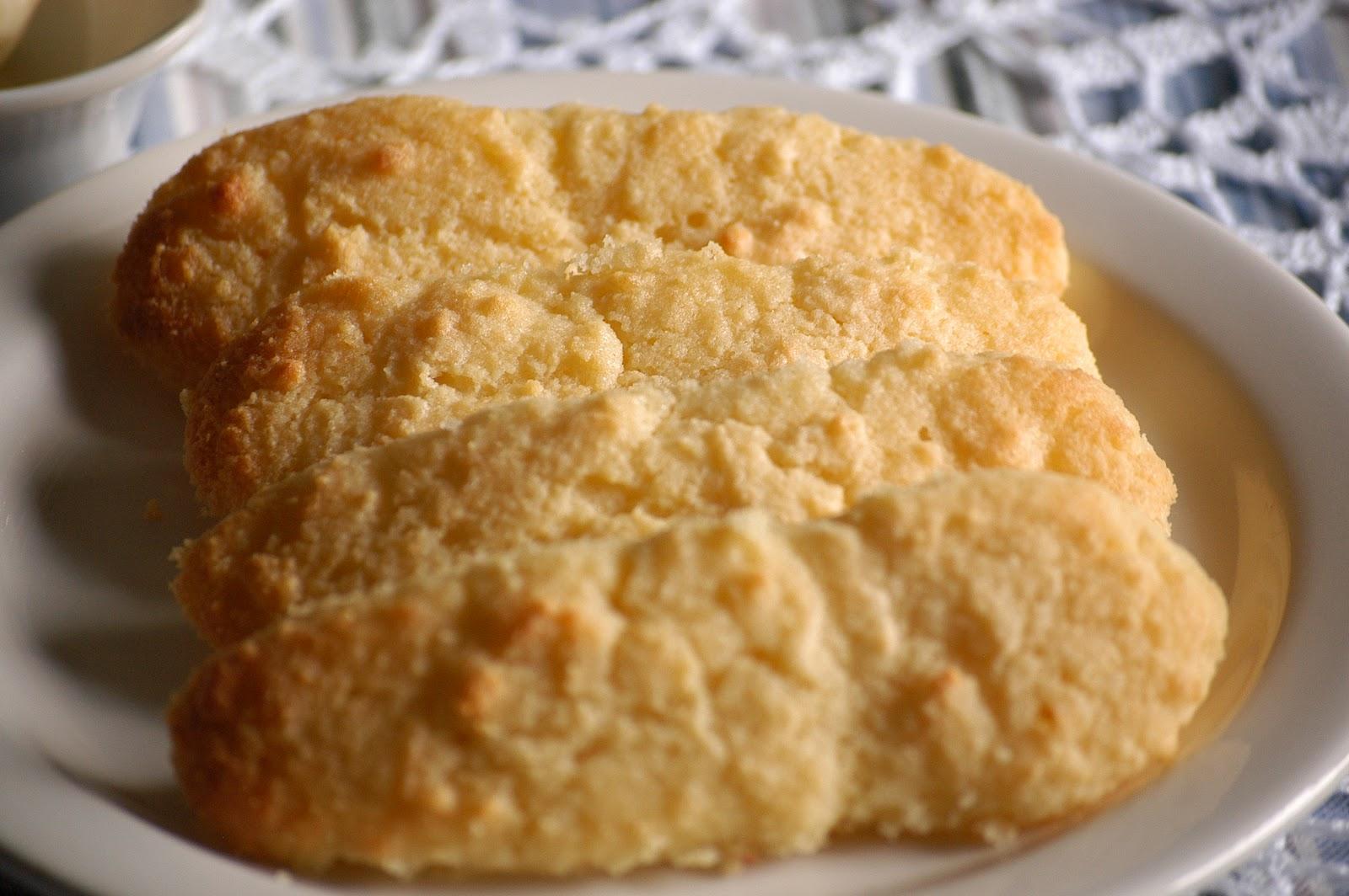 "Satisfying Eats: Southern Style Buttermilk ""Corn"" Bread- Grain Free"