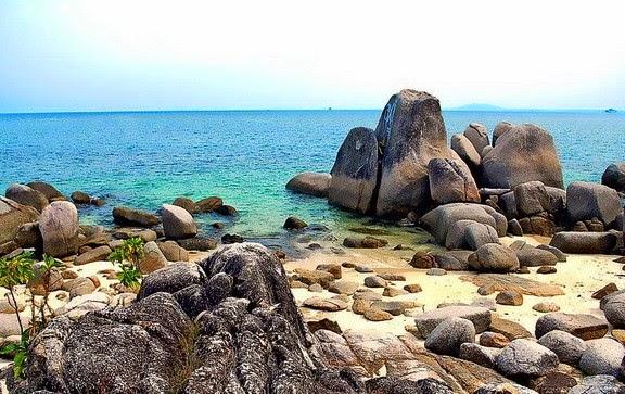 Pantai Tanjung Penyusuk yang Cantik di Bangka