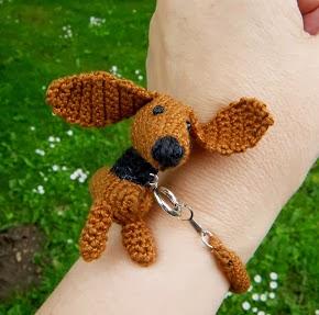 Hæklet gravhund armbånd