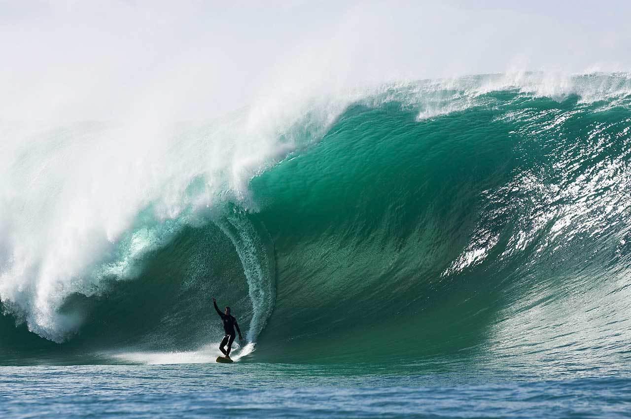 http://3.bp.blogspot.com/-RwW23KjvaHQ/T1fBMepxMzI/AAAAAAAAFCs/AMFDiBKtDUo/s1600/mavericks-big-wave-surfing1.jpg