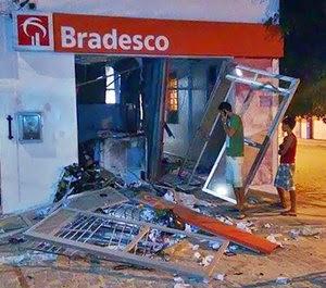 Caixas eletrônicos são explodidos em Quijingue. (Foto: Reprodução/Blog Metendo a Bronca)