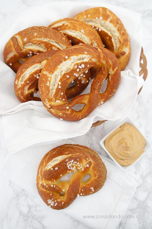 Preparare i bretzel prezel pretzel impasto per panini soda ricetta - prezel recipe