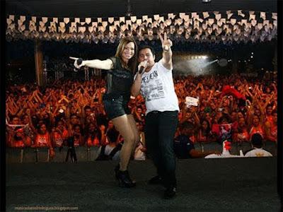 História da Banda Aviões do Forró: Aviões do Forró é uma banda brasileira de Forró com muito muito sucesso. Foi formada em Fortaleza no dia 4 de agosto de 2002, por Zeca Aristides (Zequinha Aristides), André Camurça, Antônio Isaías (ou Isaías CDs), Carlos Aristides e Cláudio Melo (que posteriormente vieram a formar a A3 Entretenimento). A banda é composta pelos cantores Solange Almeida e Alexandre Avião (ou Xand, Xandinho), duas backing vocals, nove músicos e oito dançarinas. Música da Minha Vida mdr. MDR Play.