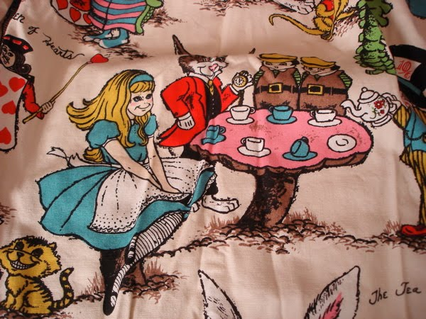Curtains Ideas alice in wonderland curtains : Gizmos Vintage: Rare Vintage Alice in Wonderland Curtains
