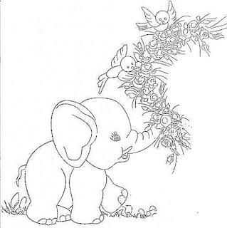 elefante com ramo de flores