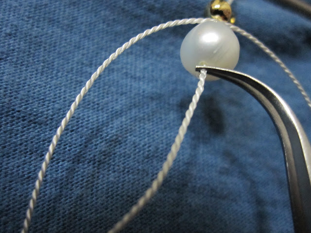 8 tips on how to string pearls on silk thread with knots diy craft