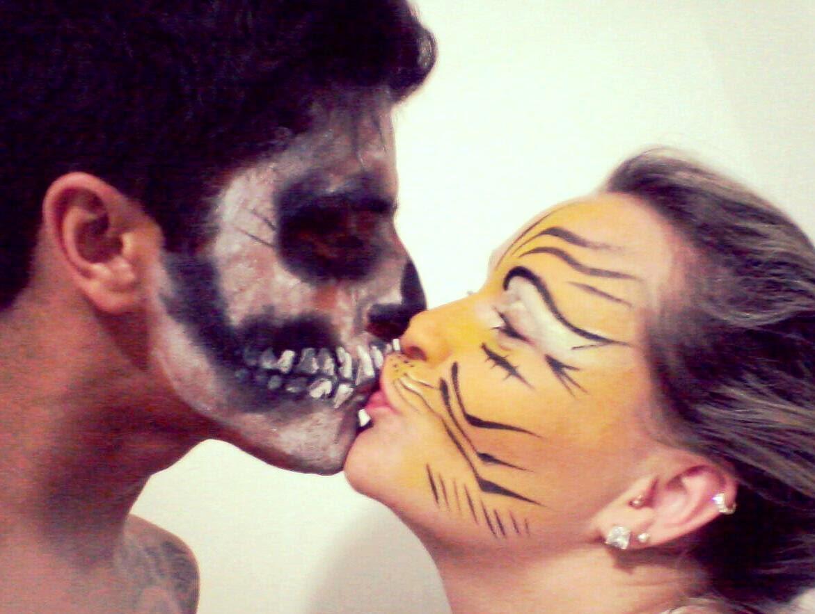 Pintura facial Caveira e Tigresa. O AMOR É LINDO.