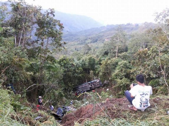 Detik Cemas Bas Express Tawau-KK Jatuh Gaung di Kg Kiau, Ranau
