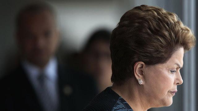 O Brasil centra-se no impeachment da líder sitiada Dilma Rousseff