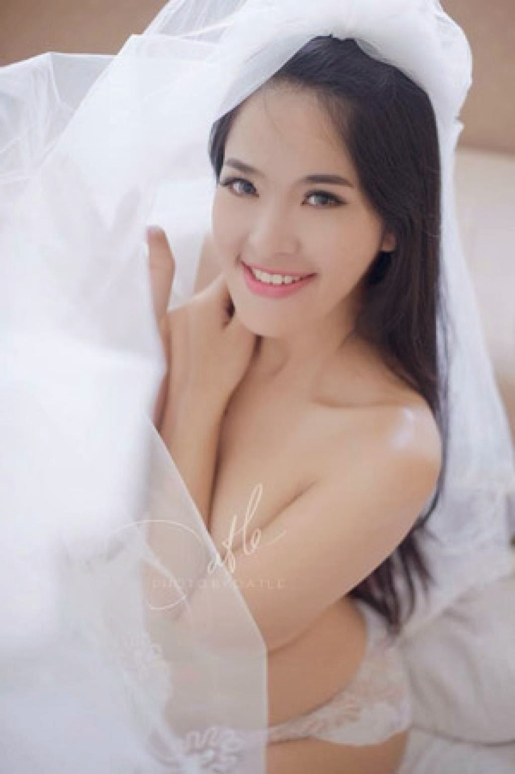 Ảnh gái xinh Việt khoe thân để nổi tiếng 24